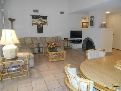 Palm Springs Condo/Townhouse For Sale: 2495 West Miramonte Circle #C