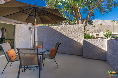 Palm Springs Condo/Townhouse For Sale: 280 South Avenida Caballeros #255