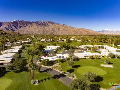 Palm Springs Condo/Townhouse For Sale: 2 Lakeview Circle