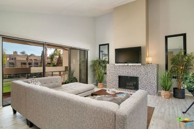 Palm Springs Condo/Townhouse For Sale: 426 Village Square