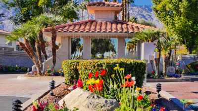 Palm Springs Condo/Townhouse For Sale: 505 S Farrell Drive #E27