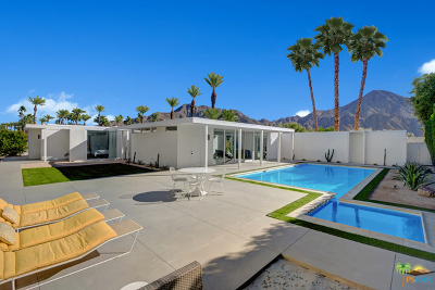 Indian Wells Single Family Home Contingent: 75900 Fairway Drive