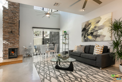 Palm Springs Condo/Townhouse For Sale: 673 E Arenas Road
