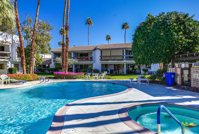Palm Springs Condo/Townhouse For Sale: 5225 E Waverly Drive #66