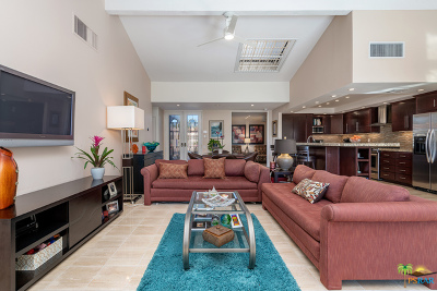 Rancho Mirage Condo/Townhouse Contingent: 72355 Rodeo Way