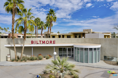 Palm Springs Condo/Townhouse For Sale: 940 E Palm Canyon Drive #102
