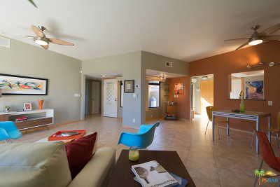 Cathedral City Condo/Townhouse Contingent: 68874 Calle Santa Fe