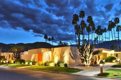 Palm Springs Condo/Townhouse For Sale: 276 Desert Lakes Drive