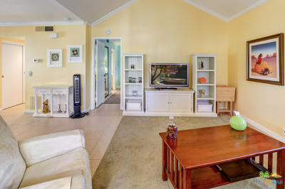 Palm Springs CA Condo/Townhouse For Sale: $139,000