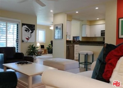 Cathedral City Condo/Townhouse For Sale: 35200 Cathedral Canyon Drive #S149