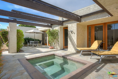 Palm Springs Condo/Townhouse For Sale: 482 N Hermosa Drive
