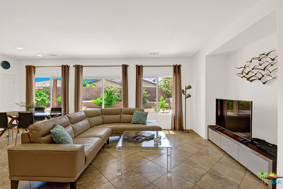 Palm Springs Single Family Home For Sale: 1175 Alta Cresta