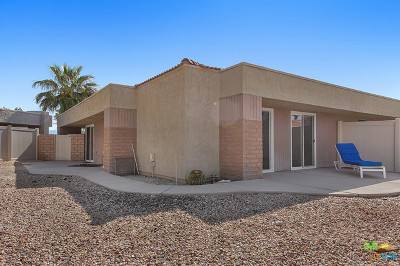 Palm Springs Condo/Townhouse Contingent: 3021 Sunflower Circle W
