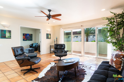 Palm Springs CA Condo/Townhouse For Sale: $217,900