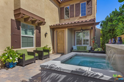 Palm Springs Condo/Townhouse For Sale: 438 Wandering Way
