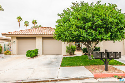 Palm Springs Condo/Townhouse For Sale: 2071 Paseo Pelota