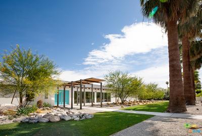 Palm Springs Single Family Home For Sale: 216 W Via Lola