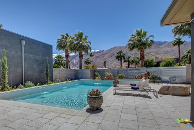 Palm Springs Condo/Townhouse For Sale: 431 Dion Drive