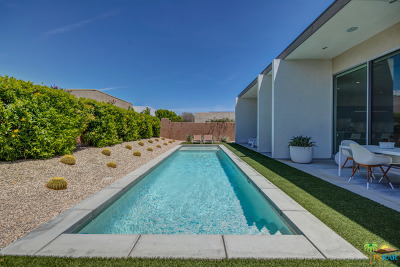 Palm Springs Single Family Home For Sale: 659 Equinox Way