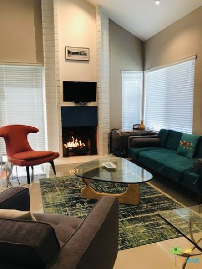 Palm Springs Condo/Townhouse For Sale: 55 Portola Drive