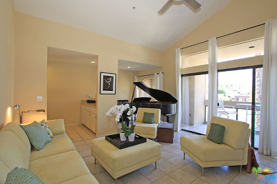 Palm Springs Condo/Townhouse For Sale: 837 N Village Square