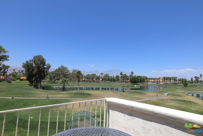 Palm Desert Condo/Townhouse For Sale: 145 Desert Falls Circle