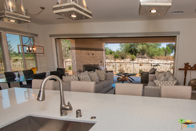 Palm Desert Condo/Townhouse For Sale: 1101 Retreat Circle