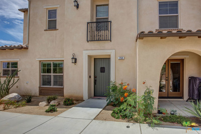 Palm Desert Condo/Townhouse For Sale: 256 Paseo Bravo
