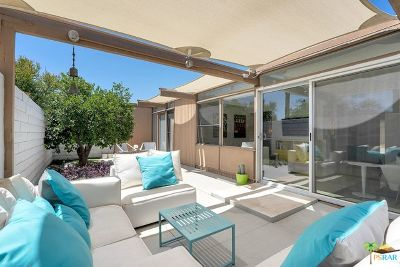 Palm Springs Condo/Townhouse For Sale: 754 E Vista Chino