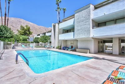 Palm Springs Condo/Townhouse For Sale: 251 E La Verne Way #D