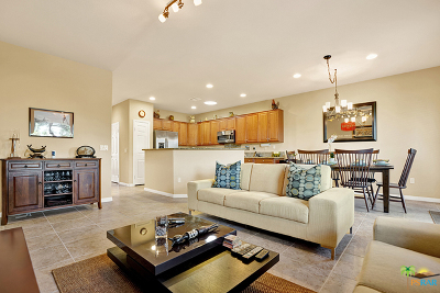 Indio Single Family Home Contingent: 81059 Avenida Vidrio