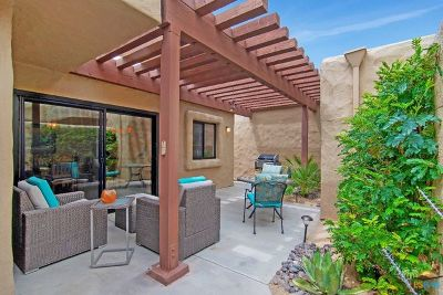 Palm Springs Condo/Townhouse For Sale: 4850 N Winners Circle #E