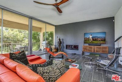 Palm Springs Condo/Townhouse For Sale: 499 Desert Lakes Circle