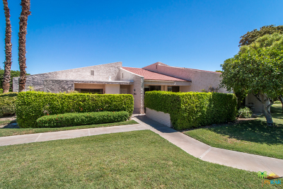 Palm Springs Condo/Townhouse For Sale: 2556 N Whitewater Club Drive #D