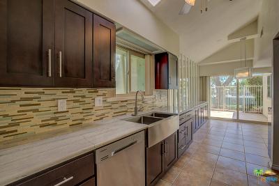 Palm Springs Condo/Townhouse For Sale: 1727 Capri Circle