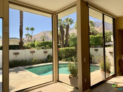 Palm Springs Condo/Townhouse Contingent: 130 W Racquet Club Road #504