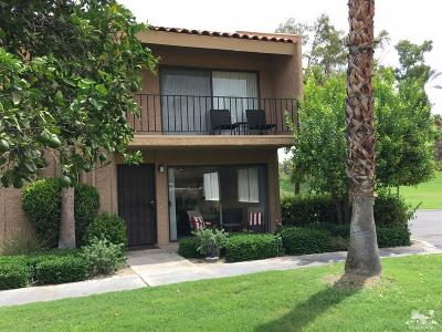 Palm Springs Condo/Townhouse For Sale: 5836 Los Coyotes Drive