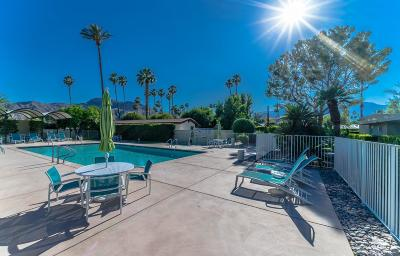 Rancho Mirage Condo/Townhouse Contingent: 70118 Frank Sinatra Drive #27
