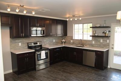 La Quinta Single Family Home For Sale: 52700 Avenida Ramirez