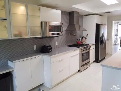 Indian Wells Condo/Townhouse Contingent: 74946 Chateau Circle