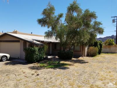 La Quinta Single Family Home For Sale: 52740 Avenida Vallejo