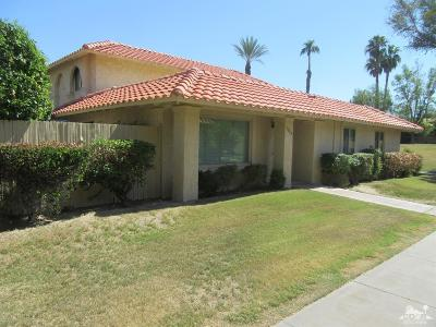 Palm Desert Condo/Townhouse For Sale: 73028 Helen Moody Lane