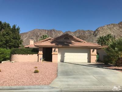 La Quinta Single Family Home For Sale: 54140 Avenida Mendoza