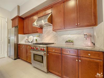 Palm Desert Condo/Townhouse For Sale: 2502 Via Calderia
