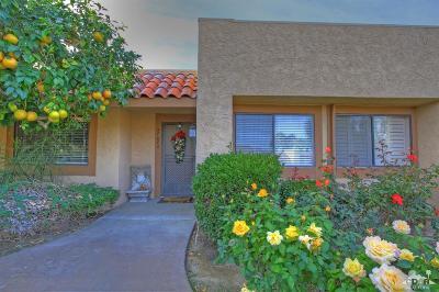 Palm Desert Condo/Townhouse For Sale: 47682 Desert Sage Court