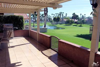 Palm Desert Condo/Townhouse For Sale: 42098 Sand Dune Drive