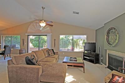 Palm Desert Condo/Townhouse For Sale: 42594 Liolios Drive