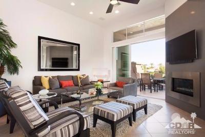 Palm Desert Condo/Townhouse For Sale: 514 Desert Holly Drive