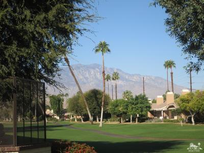 Palm Desert Condo/Townhouse For Sale: 284 Avenida Del Sol