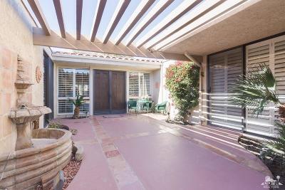 Bermuda Dunes Condo/Townhouse For Sale: 43271 Lacovia Drive